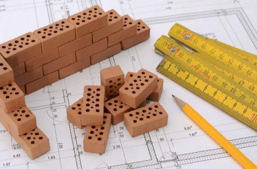Metoda budowy systemem gospodarczym, powierzania robót kolejnym wykonawcom, budowa za pomocą generalnego wykonawcy