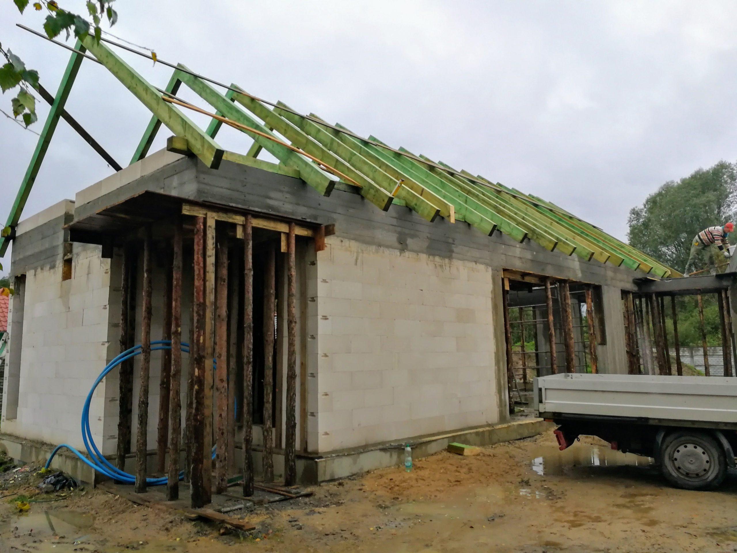 budowa więźby drewnianej