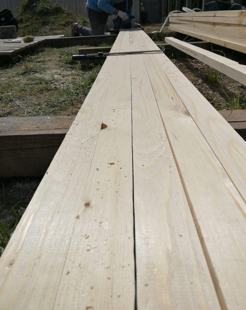 drewno na ogrodzenie