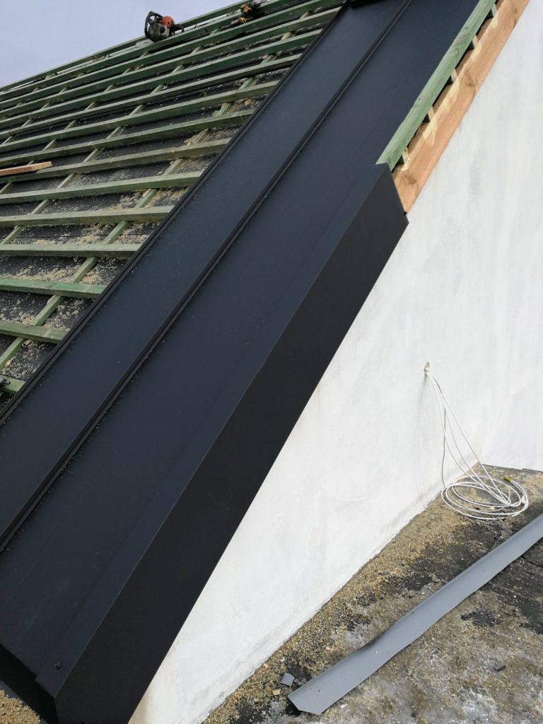 krycie dachu dwuspadowego